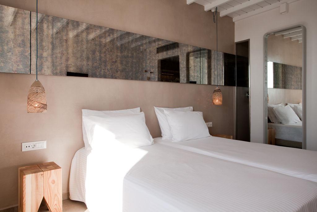 ROCHARI Hotel